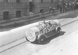 Lifesavers Car, Sydney, 1934